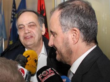 Knut Fleckenstein in Tirana, mit einer teueren EU Delegation, nach harter Nacht mit Club Service: 26.2.2019