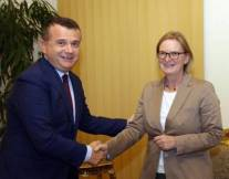 Elbasan Mafia Boss: Taulant Balla, mit der Deutschen Botschafterin Susanne Schütz