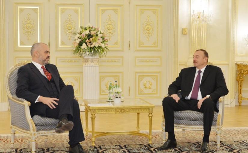 Titel für Ilir Meta und erste Anklagen gegen Deutsche Politiker rund um die Aserbeischanische Mafia