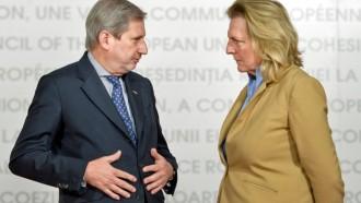 Johannes Hahn und die Österreichische Aussenminister Kneissl, wo Blicke Alles Sagen über diesen Idioten als EU Kommissar