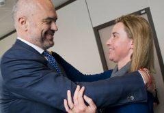 Korrupte Verblödung in Person: Edi Rama und Mogrehini. Ein EU Desaster mit Helge Schmid