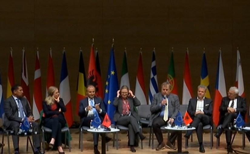 """Wie Angela Merkel, UvL, in Europa den """"Lockdown"""" gegen Experten Rat erpressten. G-7, WEF, Klaus Schwab, Erpressungs Modelle, desMordes"""