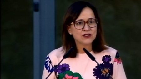 Genoveva Ruiz Calavera der IMO, schwafelt nur noch herum, weil die Justiz Null Funktion hat! Philologie Studium. Sprachen hat die Frau gelernt, für den Rest ist sie zu dumm.